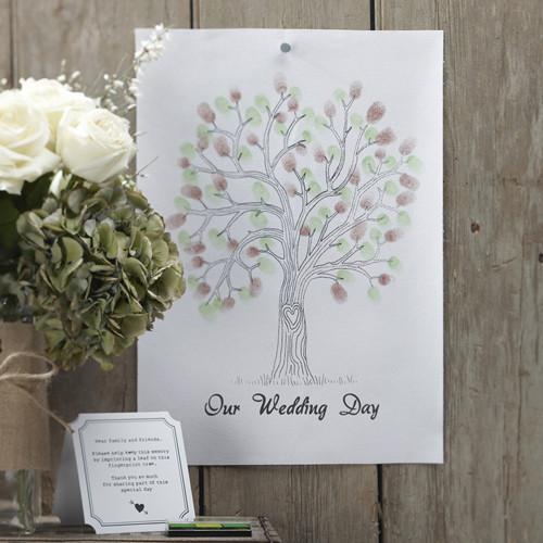 Baum mit Fingerabdrücken als Alternative zum Gästebuch - grün & braun