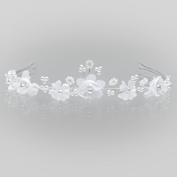 Diadem mit kleinen Blüten und Perlen