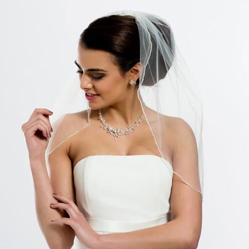 Brautschleier mit Glasperlenkante Länge 80 cm - creme