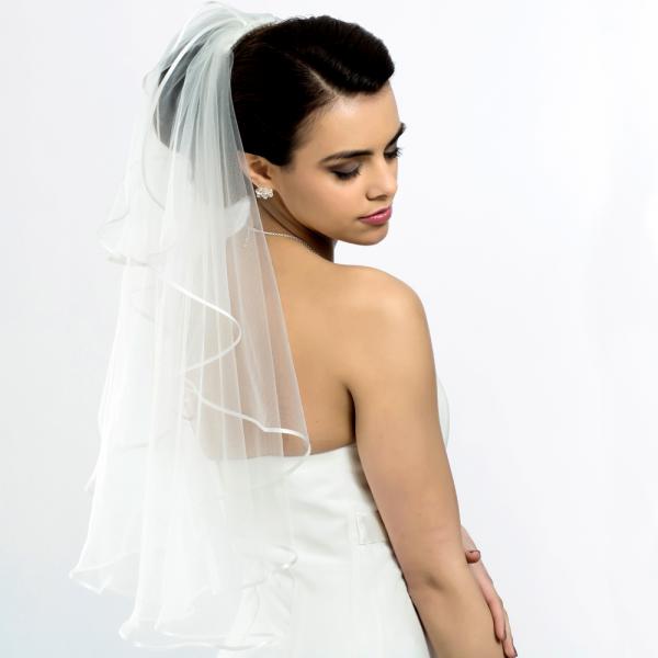 Brautschleier 'Soft' mit Satinkante Länge 70 cm - creme