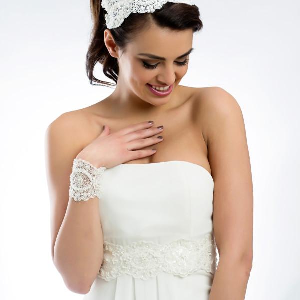 Brautgürtel 'Rena' aus Satin, Spitze, Perlen & Glasperlen