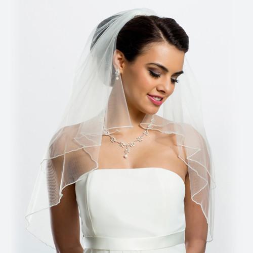 Brautschleier mit Glasperlenkante Länge 80 / 60 cm - creme