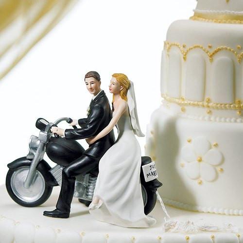 Tortenfigur Brautpaar auf Motorrad