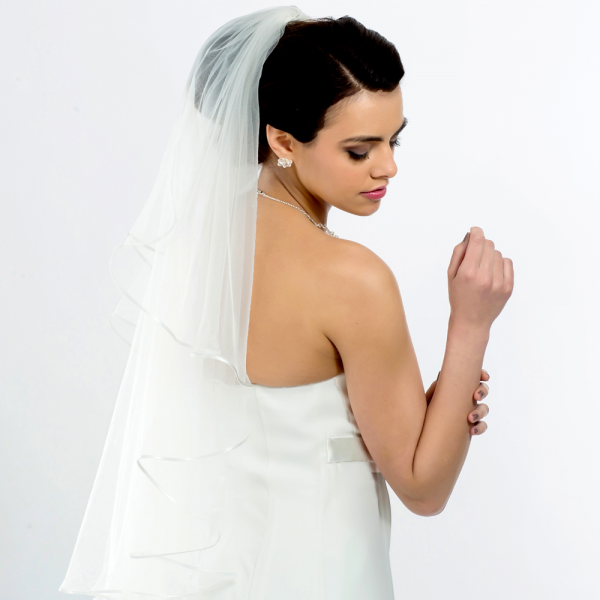 Brautschleier 'Soft' mit Satinkante Länge 90 cm - creme