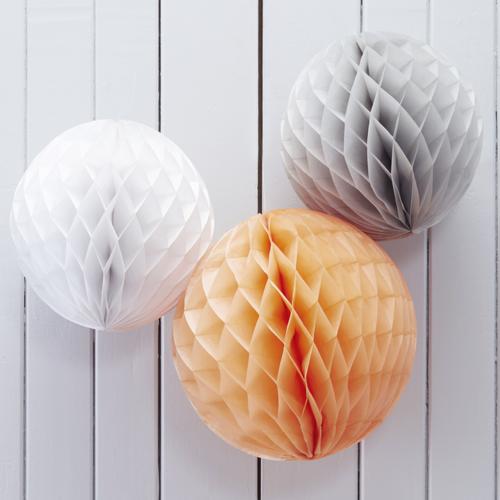 Honeycombs / Wabenbälle (3 Stück) - apricot, grau & weiß